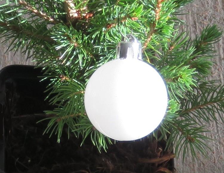 Kerstballen groen-rood-wit-zwart plastic (15 stuks) - kerstboom.nl